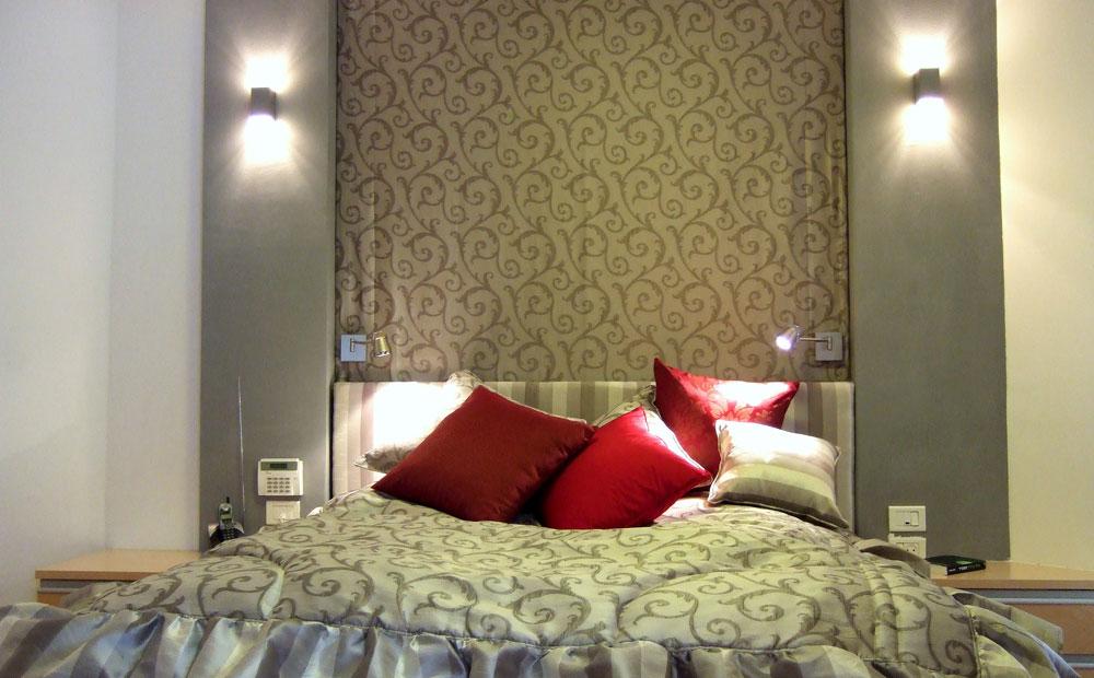 מיטת הורים מעוצבת