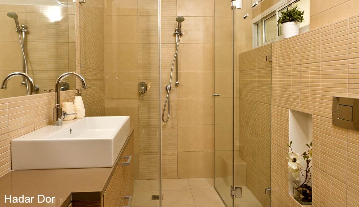 מקלחון בחדר רחצה הורים