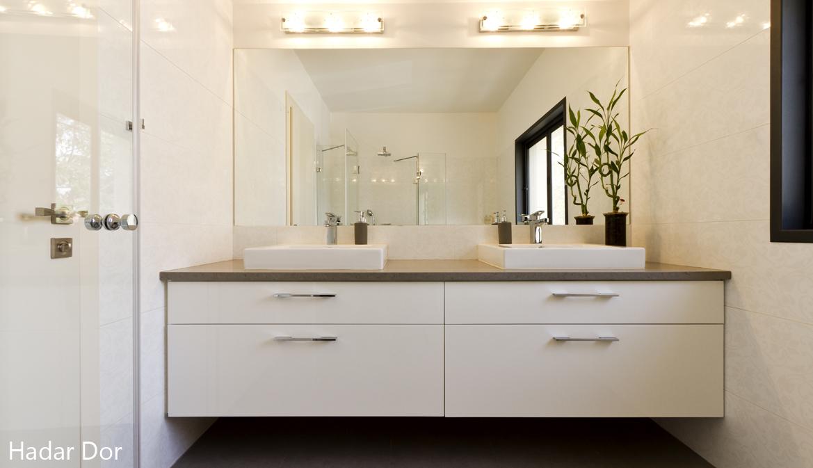 חדר רחצה בעיצוב נקי