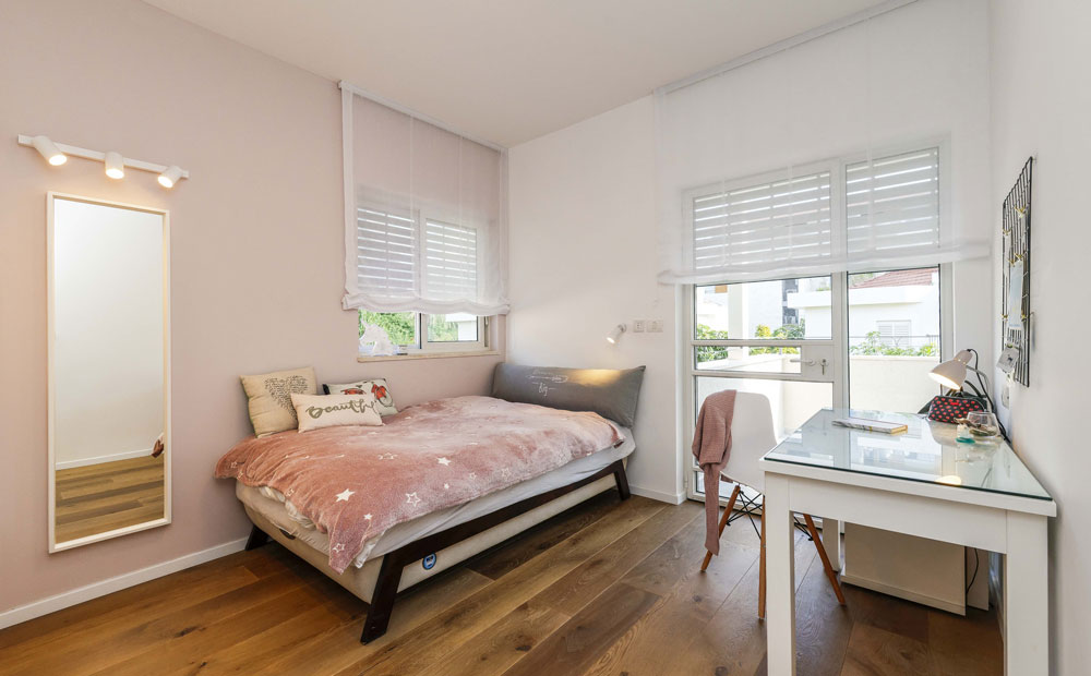 חדר שינה מעוצב לנערה