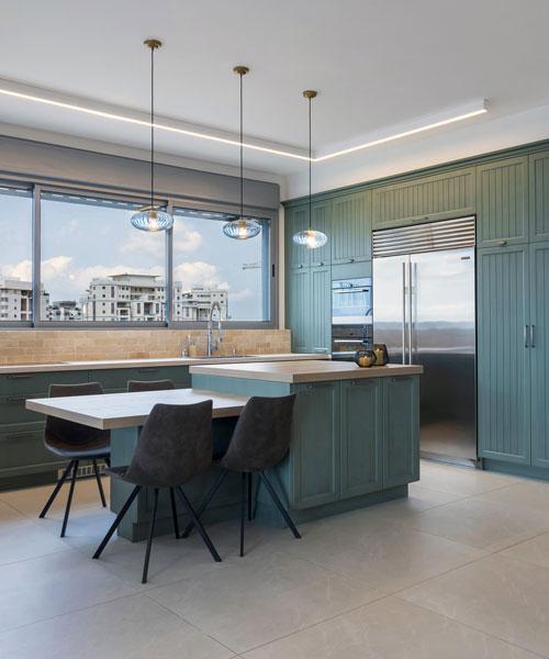 דירת פנטהאוז בעיצוב כפרי מודרני
